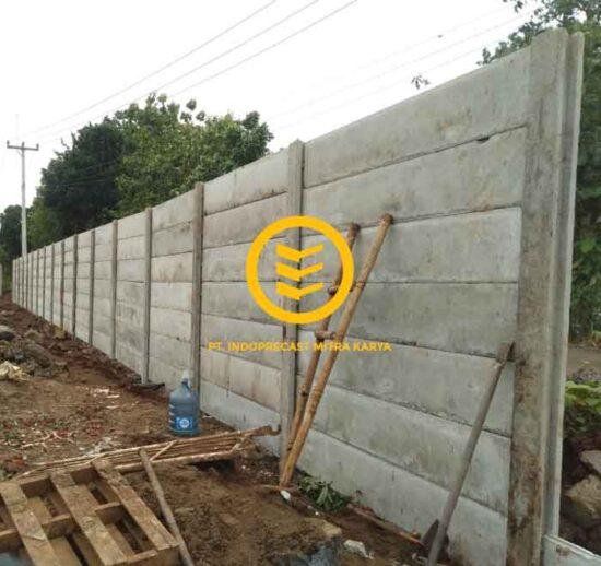 Pagar Panel Beton Terpasang